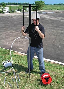 solinst piezómetros para hincar piezómetros equipos de direct push puntos de aspersión muestreo de agua subterránea monitoreo del nivel de agua delineaciones de pluma de contaminación muestreo de gas de suelo monitoreo de UST agua subterránea image